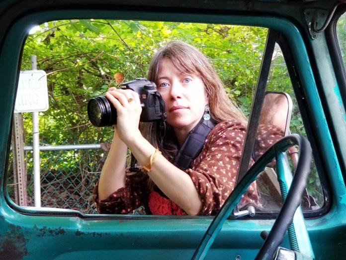 Star Nigro is an award winning professional photographer, interdisciplinary artist, and eco workshop facilitator.