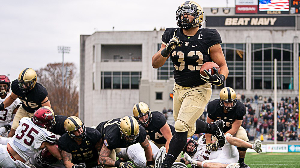 The Army West Point football team extended its winning streak to seven games with a 28-14 victory over Colgate Saturday afternoon.