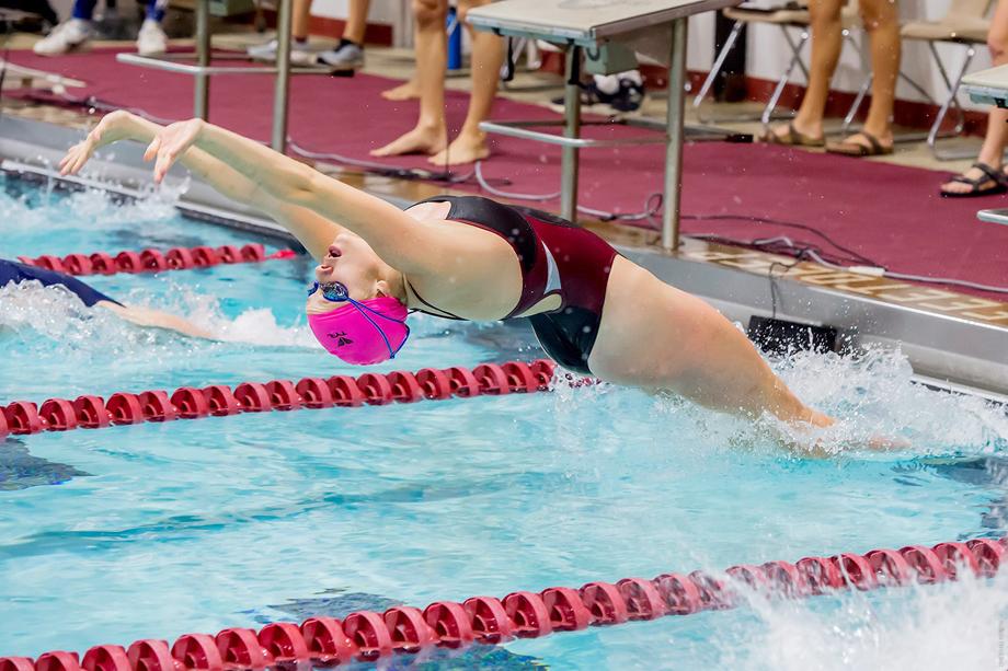Ecklund s three wins push vassar past new paltz hudson valley press newspaper for Hudson swimming pool timetable