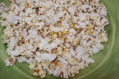Consumers looking to reduce their exposure to PFASs should steer clear of microwaveable popcorn, among other foods, that are stored or cooked in bags treated with stain-resistant chemicals. Photo: BooksCraftsPrettythings, FlickrCC.
