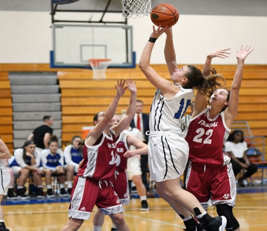 The Mount Saint Mary College Women's Basketball team won its sixth straight game on Saturday afternoon, defeating previously undefeated Old Westbury 62-52. Kayla Cleare and Elizabeth Limonta combined for 31 points to lead the Knights.