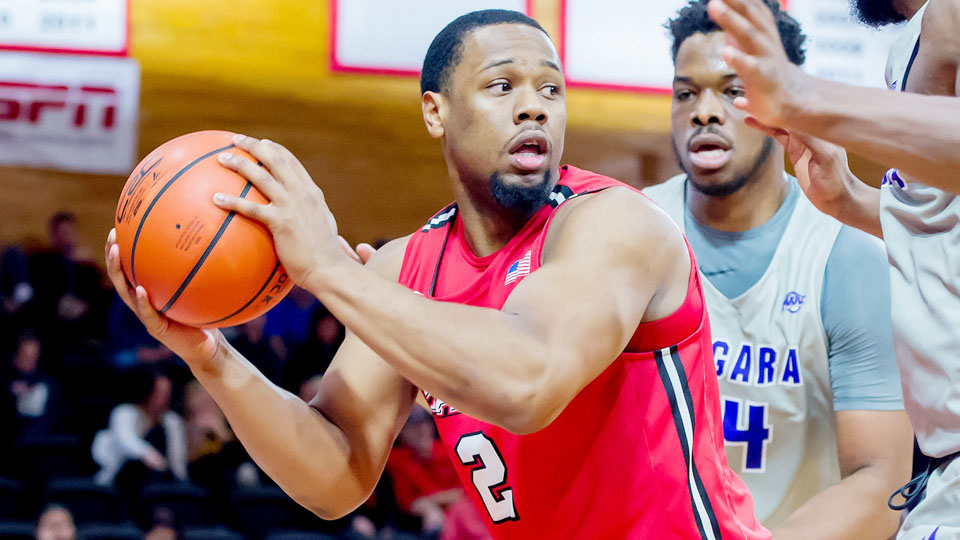 7ede9f495336 Marist Men s Basketball Toppled By Siena in MAAC Play