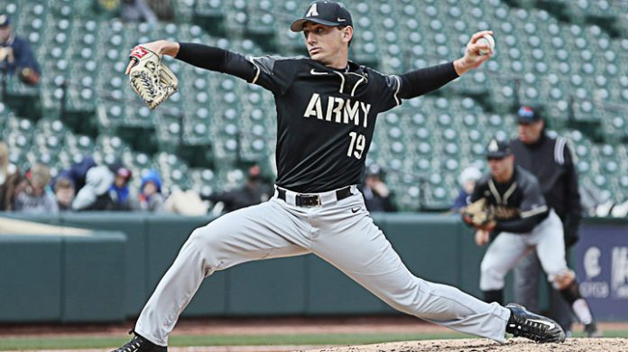 The Army West Point baseball team dropped a heartbreaker to Bucknell Sunday after the Bison scored four runs in the bottom of the ninth to steal the 7-6 win.
