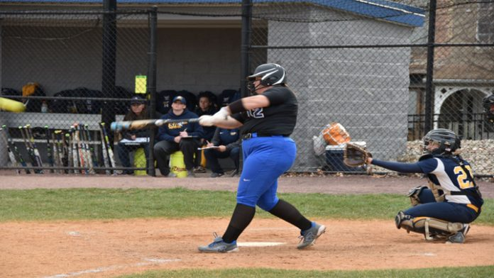 Morgan O'Neill had two doubles in the first game as Mount Saint Mary College split the series with Sarah Lawrence.