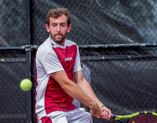 The Vassar men's tennis team went 2-1 in doubles and 4-2 in singles against the visiting Saints on their way to a 6-3 win on Sunday morning.