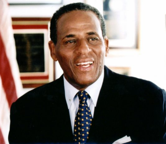 H. Carl McCall announced his plans to retire as Chairman of the Board of Trustees of The State University of New York. Chairman McCall was appointed to SUNY's Board in 2007 and has served as the Board's Chairman since 2011.