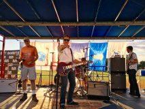 Robby Valentine, lead singer of Black Dirt Bandits, at Orange County's 2017 Freedom Fest.