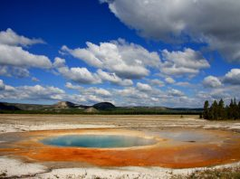Wilderness aficionados want to limit cell service at iconic national parks like Yellowstone. Photo: rbergman33, FlickrCC.