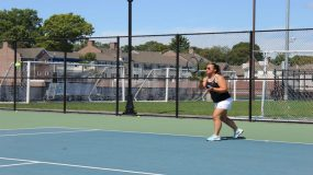 The Knights won three of the six singles matches on the day with Emily Quinn scoring her first victories of the season.