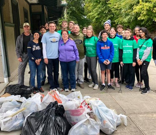 Senator James Skoufis (D-Hudson Valley) and the Chester GreenTeenMovement hosted a joint community clean-up in Chester.