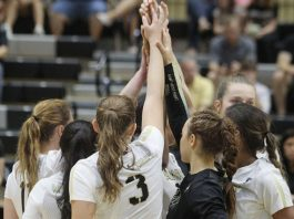 The Army West Point volleyball team snapped a three-game skid with a 3-1 victory at Holy Cross on Saturday.
