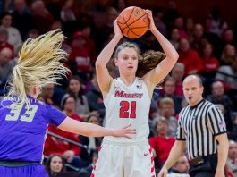 Marist Women's Basketball scored the first 24 points of the game, riding the hot start to a 94-67 rout of Niagara on Saturday afternoon at the Gallagher Center. Pictured above, Marist Red Foxes Willow Duffell.