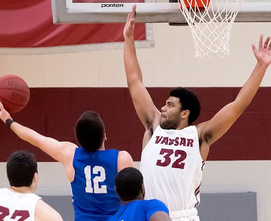The Vassar men's basketball team opened the new year with a defensive 60-39 victory over Connecticut College on Saturday afternoon. Photo: C. Stockton