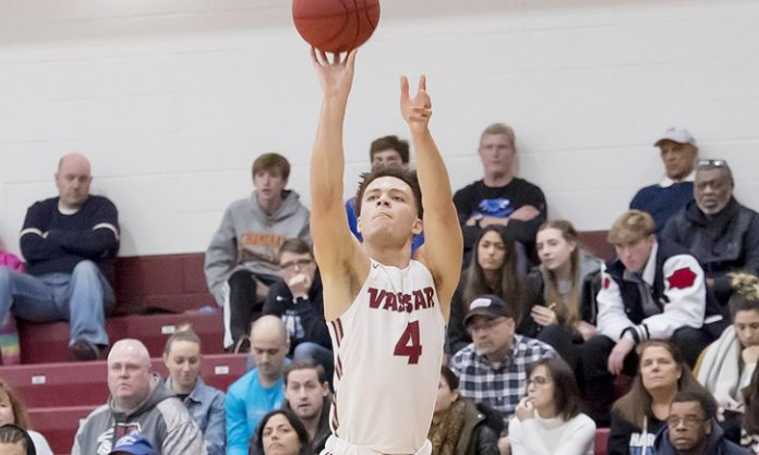 Behind points from 12 different scorers, the Vassar College men's basketball team bested Bard College, 82-60 in Liberty League action on Saturday afternoon.