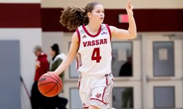 Vassar sophomore guard Sarah Gillooly added 10 points as Vassar powers past RPI. Photo: C. Stockton