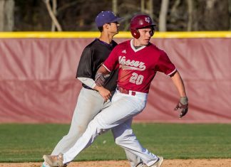 The weather was freezing, but the Vassar baseball team lit up the scoreboard with five Brewers recording a multi-hit game against Rivier on Saturday morning. Photo: C. Stockton