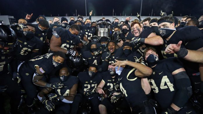The Army Black Knights defeated Academy rival Air Force, 10-7 on Saturday afternoon at Michie Stadium to capture its third Commander-in-Chief's Trophy in the last four seasons.