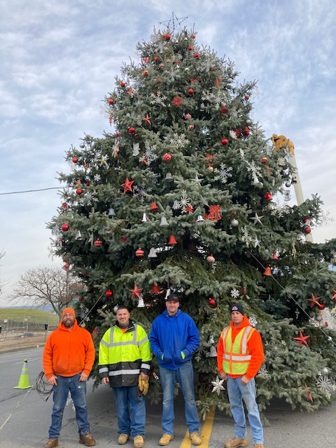 Friday afternoon, workers from the Newburgh Department of Public Works finished the installation, decoration and lighting for the festive, 34 foot donated Christmas Tree residing in Lower Broadway in the City of Newburgh.