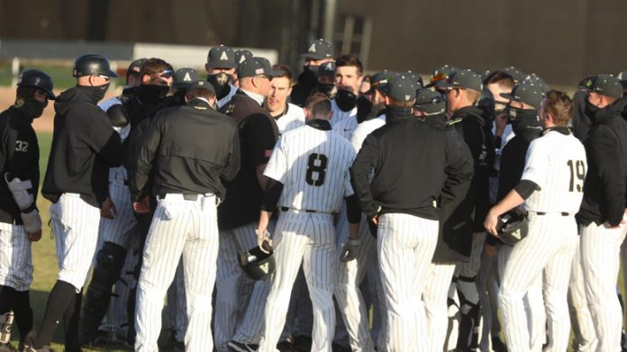 The Black Knights swept a two-game doubleheader at Lehigh on Saturday afternoon, defeating the Mountain Hawks.