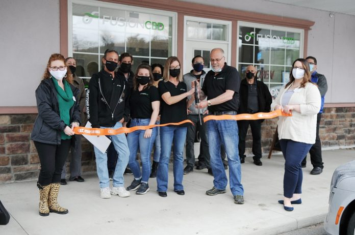 Thursday afternoon, the Orange County Chamber of Commerce joined Founder Ed McCauley, Michele Wielk and staff members Lydia Marquez, Cindi DeLorenzo and Ralph Corvino to celebrate the opening of their newest location of Fusion CBD Market in Port Jervis, NY.